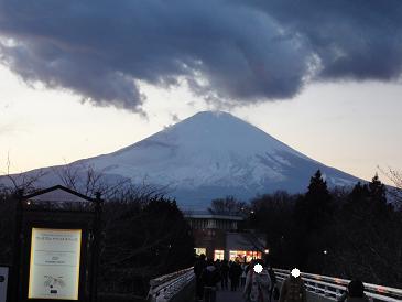 20120209御殿場プレミアムアウトレットの橋から見た富士山2.JPG